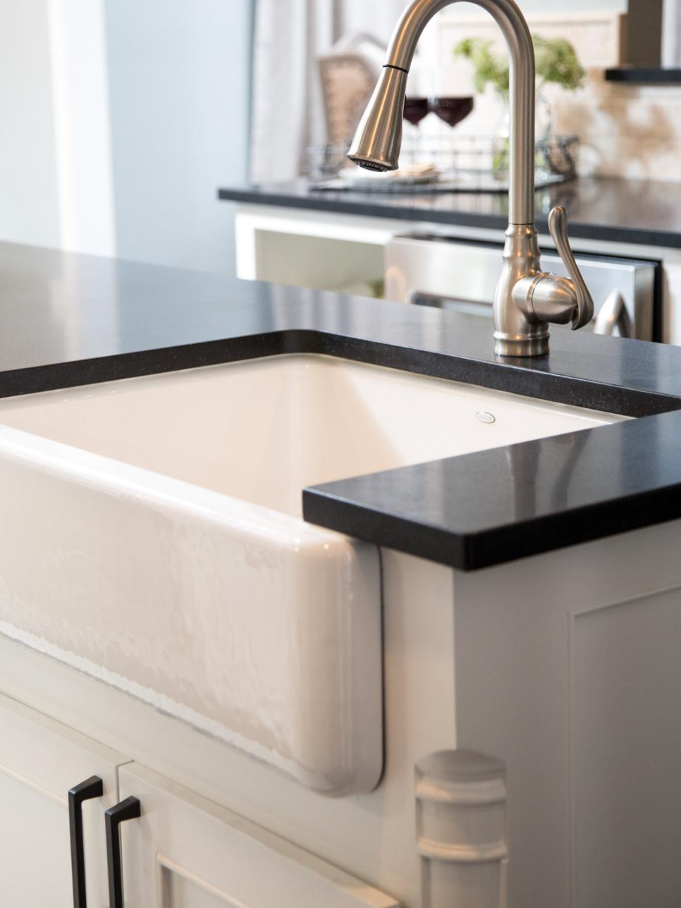 Fixer upper kitchen sink - The Exposed Fronts Typically Make It Easier To Reach In And Clean Making Them The Perfect Combination Of Aesthetic Appeal And Practicality