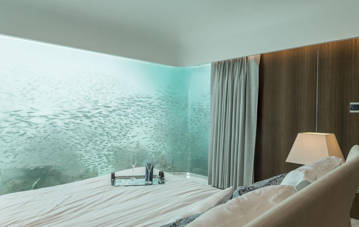 floating-seahorse-master-bedroom