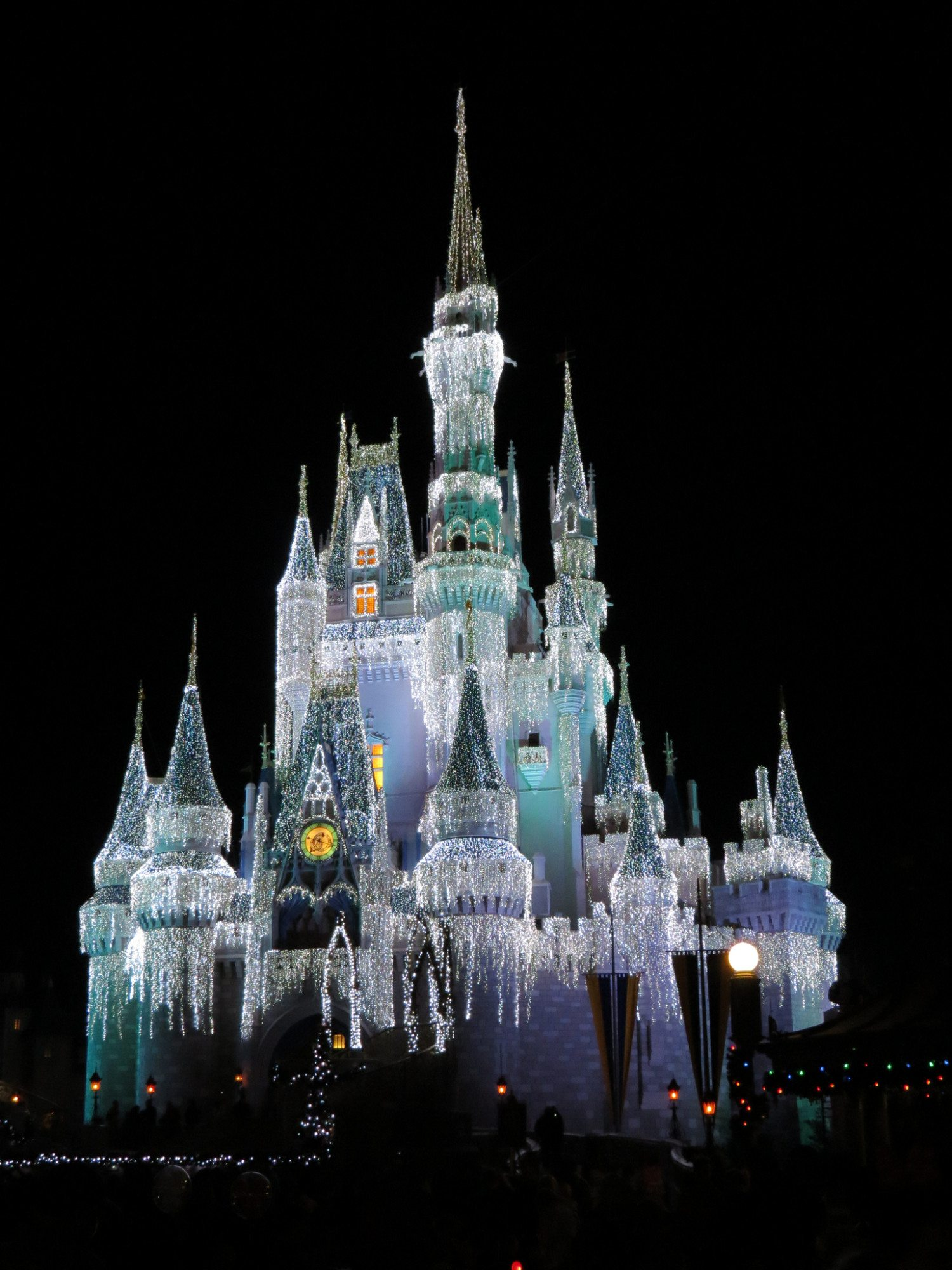 Christmas Is The Best Time To Visit Disney World - Simplemost