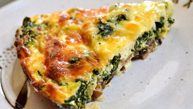 Crustless-Spinach-Onion-and-Feta-Quiche
