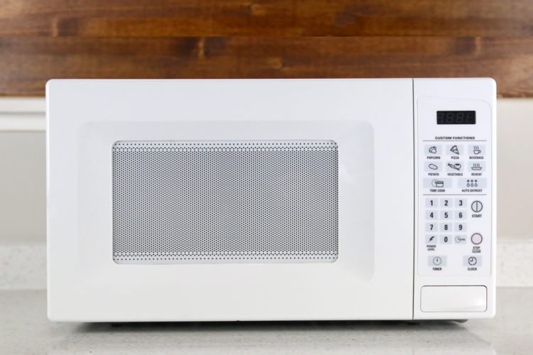 The Best Way To Clean A Microwave With All Natural