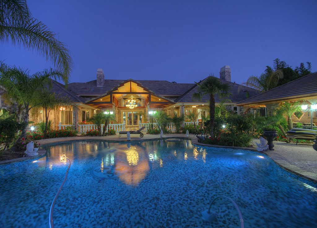 sponsored content - Mansions With Swimming Pools