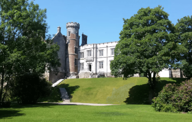 Amazing European Castles You Can Rent On Airbnb Simplemost - 15 amazing castles of ireland