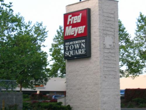 fred meyer sign photo