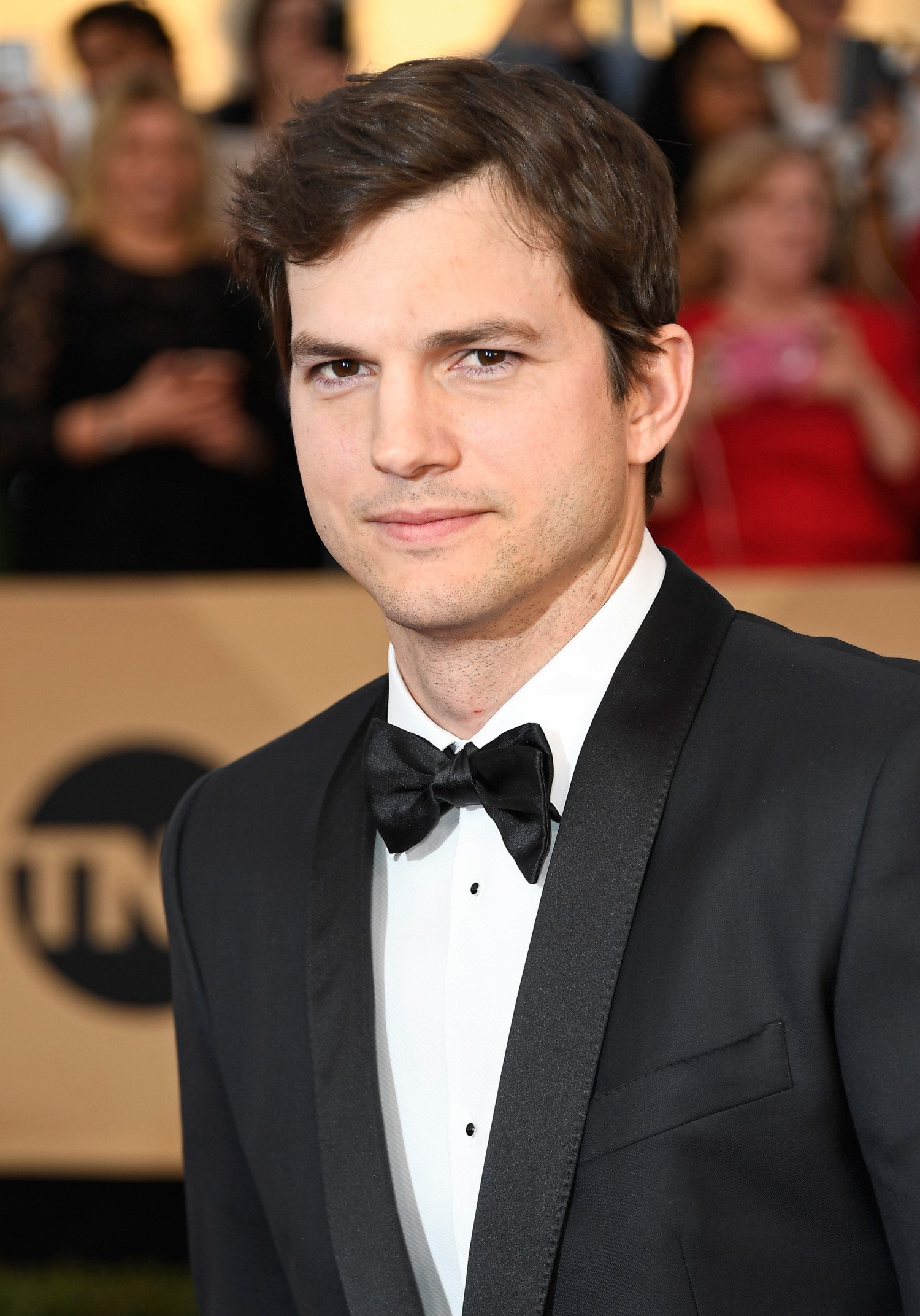 ashton kutcher photo