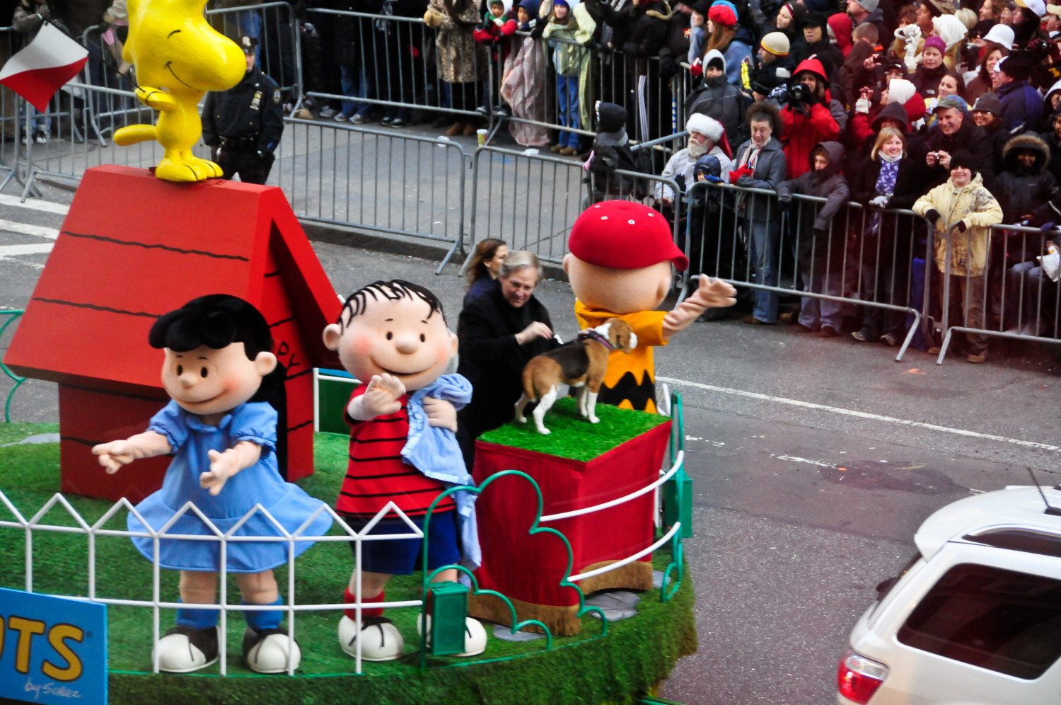 thanksgiving parade peanuts photo