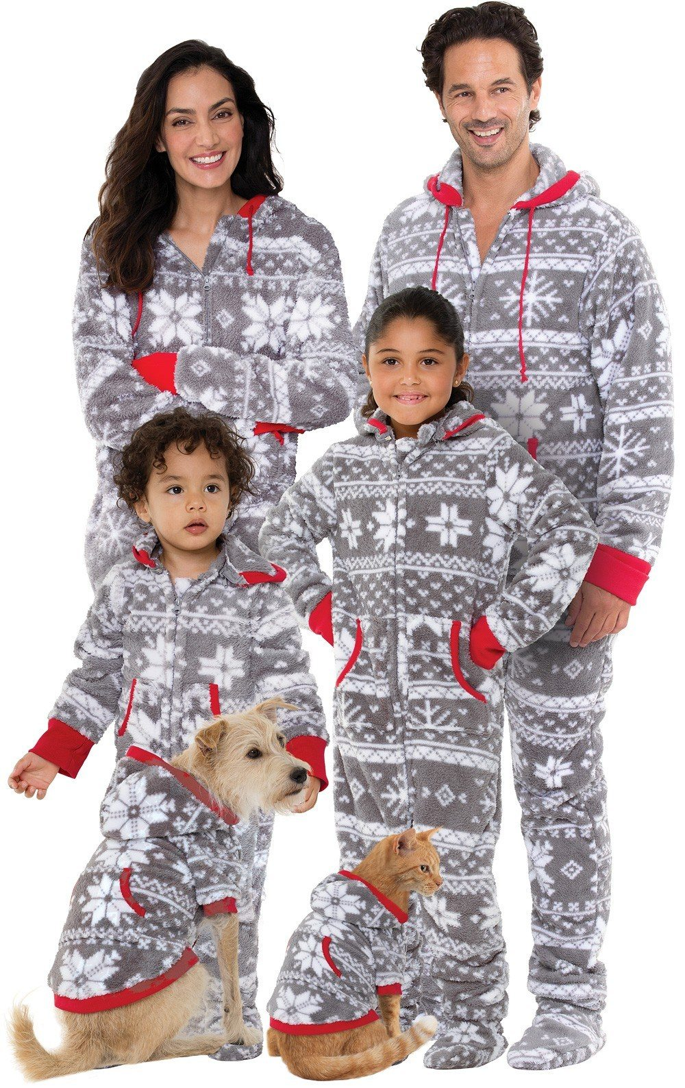 e3a9100df2 Matching Family Pajamas For The Holidays - Simplemost