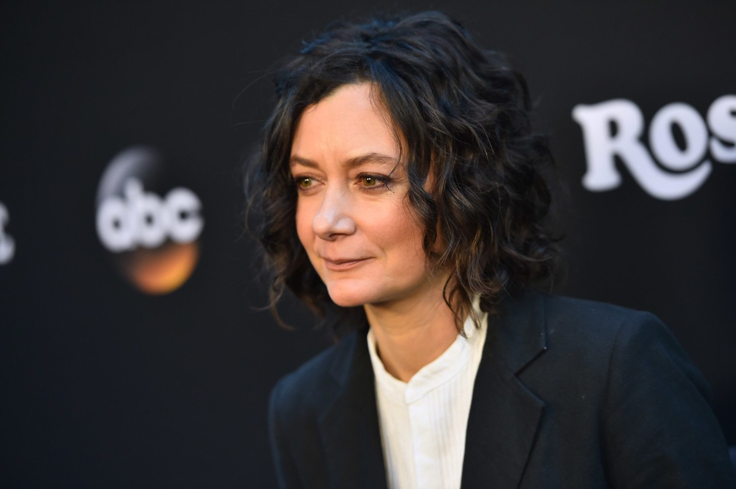 sara gilbert photo